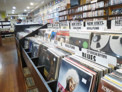 us-records-store-vinyl